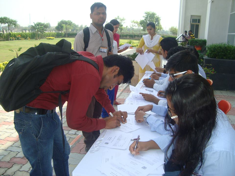 Pool Campus Drive On 11th April 2015