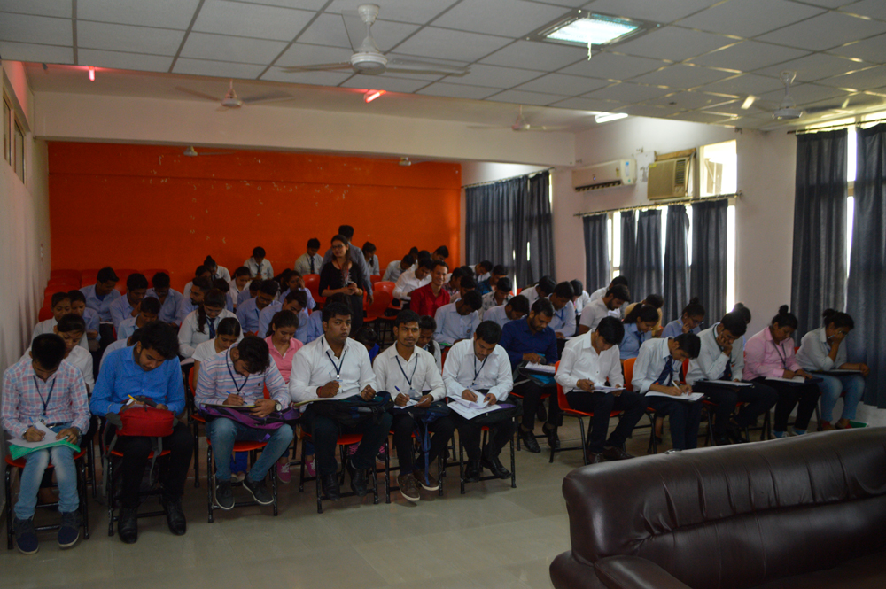 Placement Drive By Quick Bima.com on Oct 11,2017 in GEC